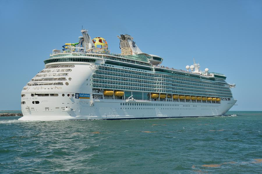 Mariner Of The Seas heads to Sea by Bradford Martin