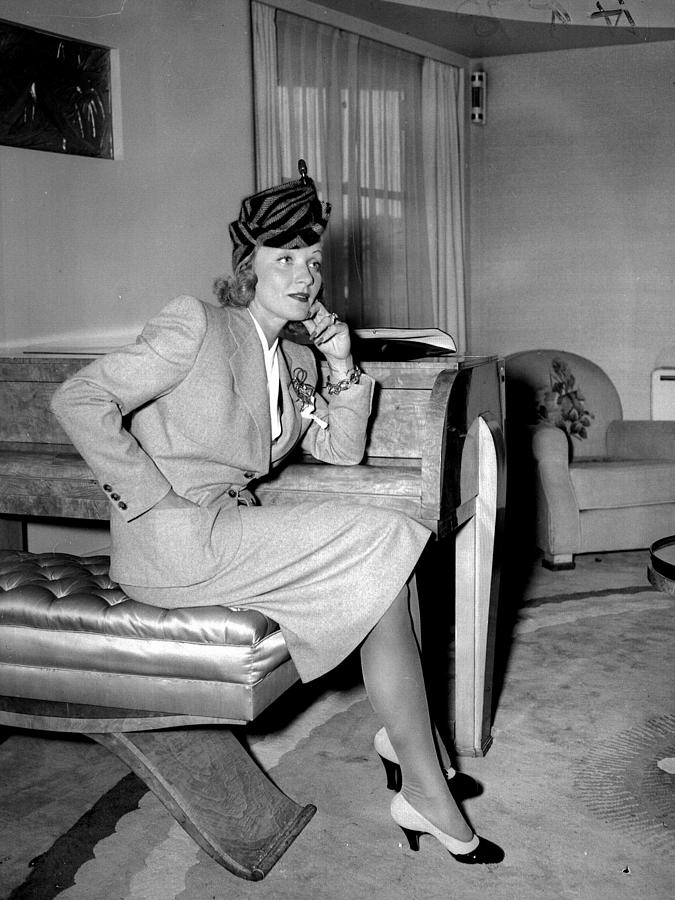 Marlene Dietrich Arriving In New York Photograph by New York Daily News Archive