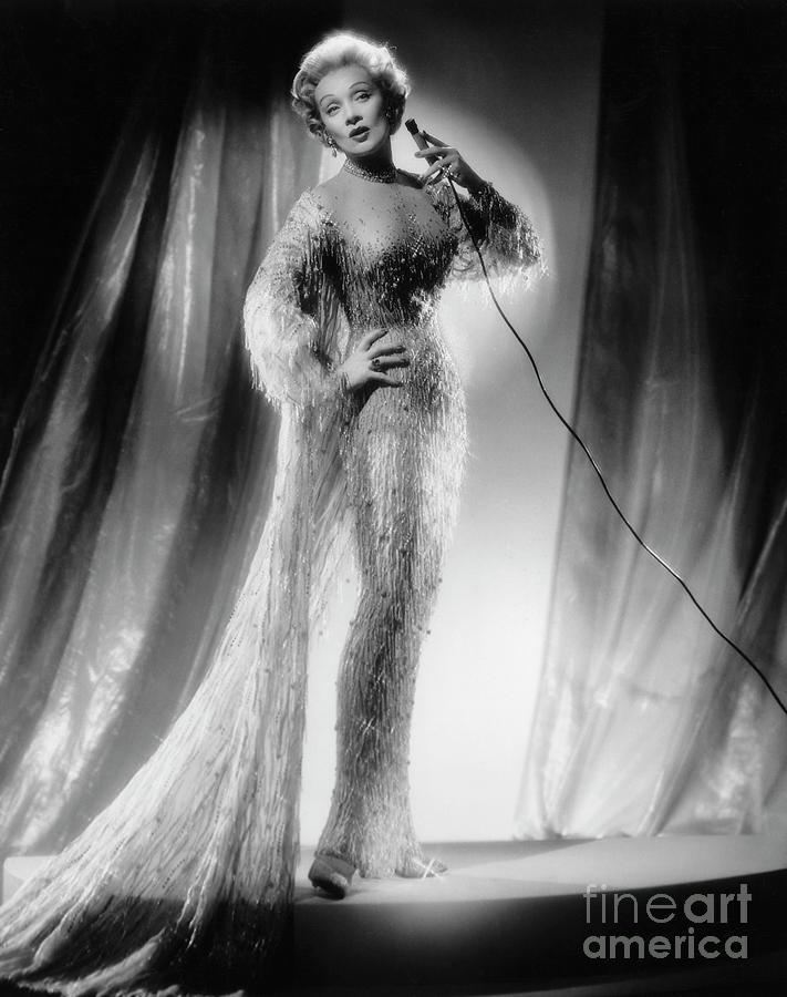 Marlene Dietrich Singing Photograph by Bettmann