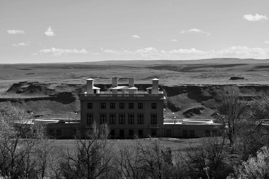 Maryhill Monotone by Lkb Art And Photography