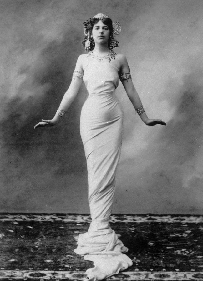 Mata Hari Photograph by Hulton Archive
