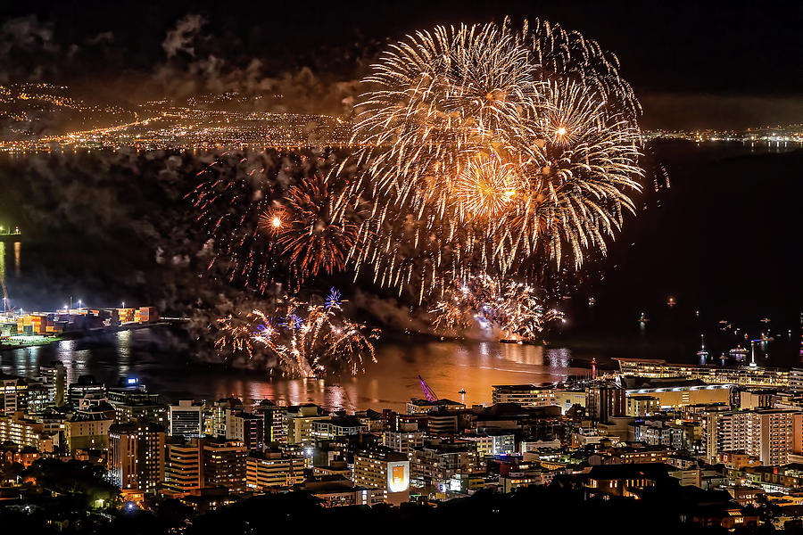 Matariki Fireworks #2 by Werner Kaffl