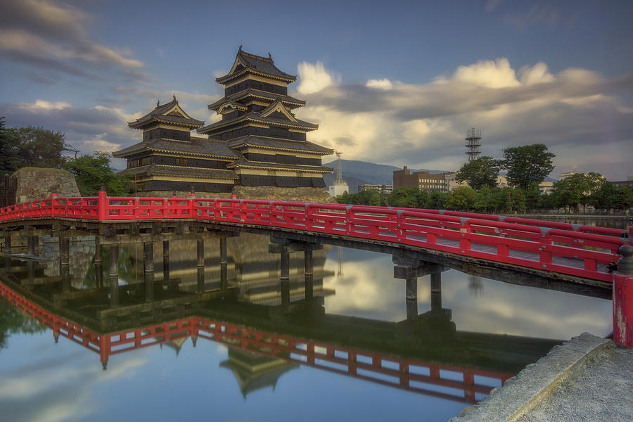 Matsumoto Castle by Francis Ansing