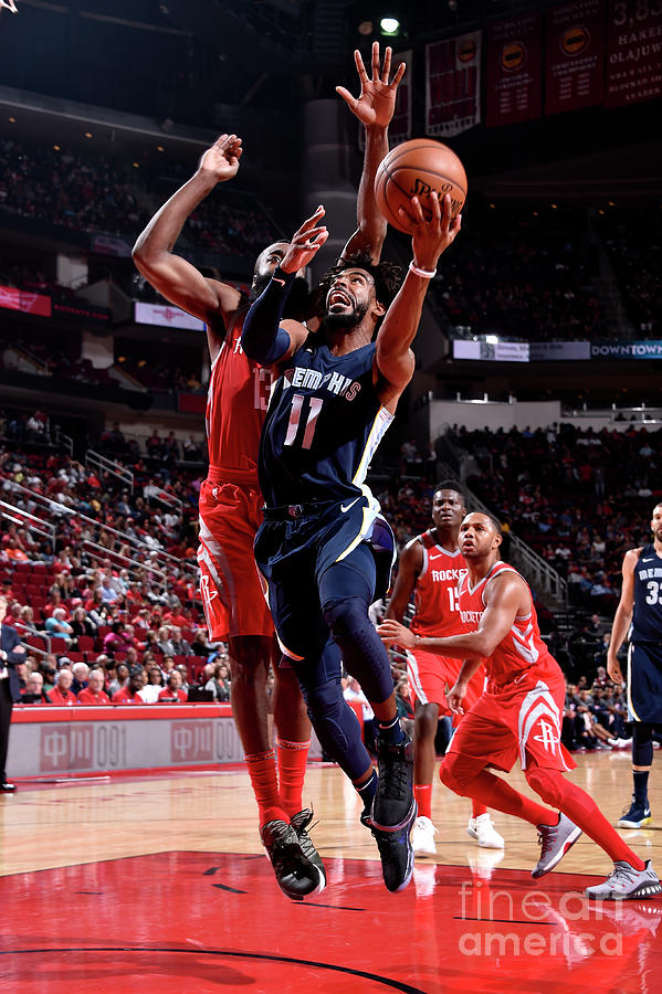 Memphis Grizzlies V Houston Rockets Photograph by Bill Baptist