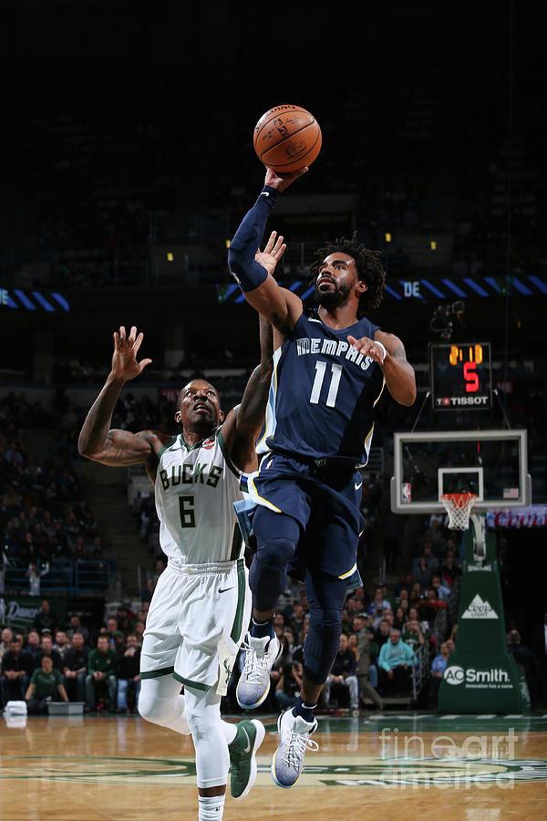 Memphis Grizzlies V Milwaukee Bucks Photograph by Gary Dineen