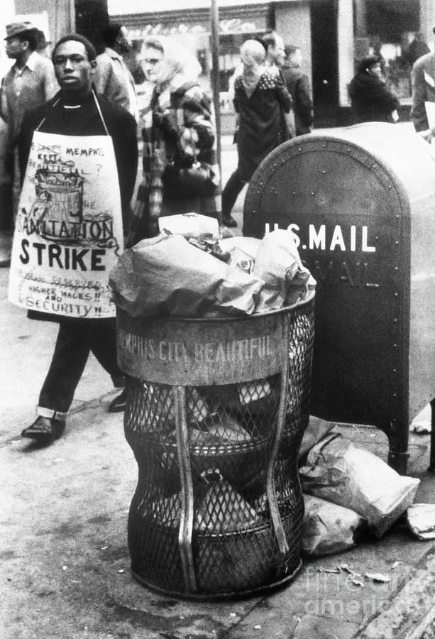 Memphis Sanitation Strike Photograph by Bettmann