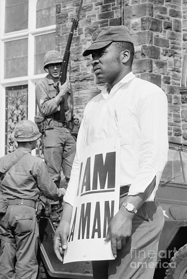 Memphis Sanitation Workers Strike Photograph by Bettmann