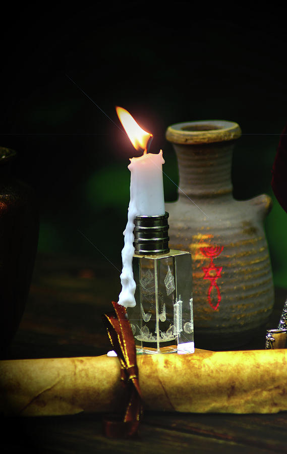 Messianic Lamplight by Tikvah's Hope