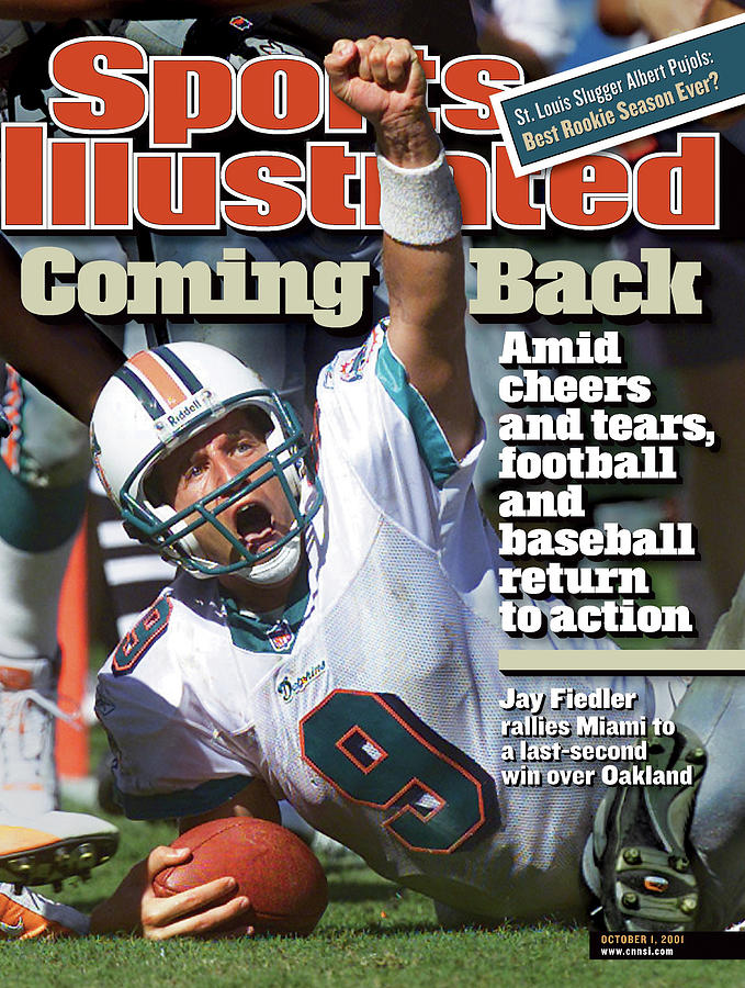 Miami Dolphins Qb Jay Fiedler... Sports Illustrated Cover Photograph by Sports Illustrated