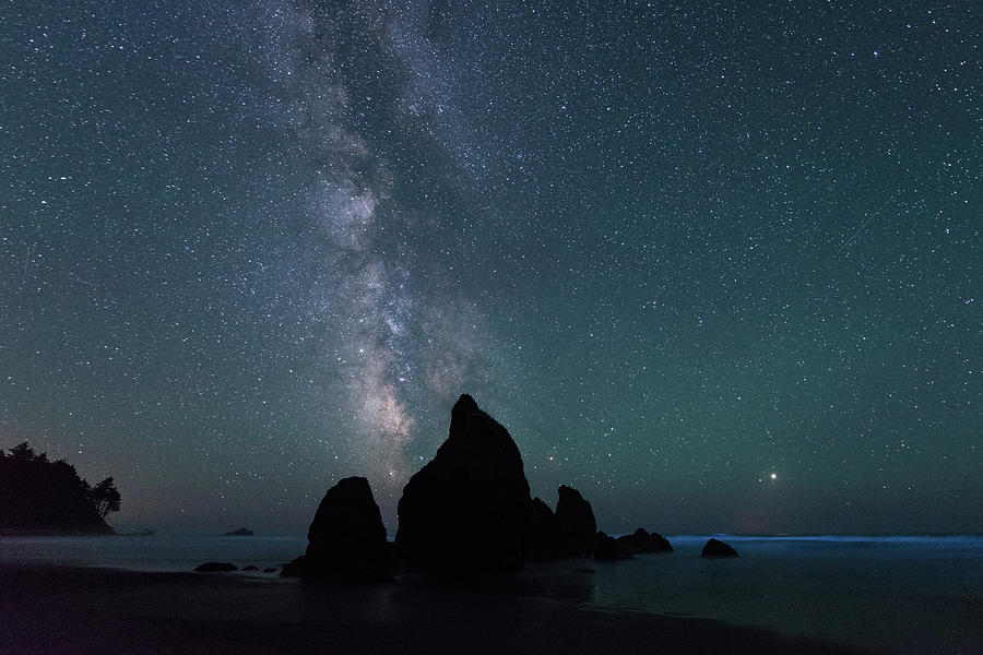 Milky Way at Ruby Beach, Olympic National Park by Michael Lee