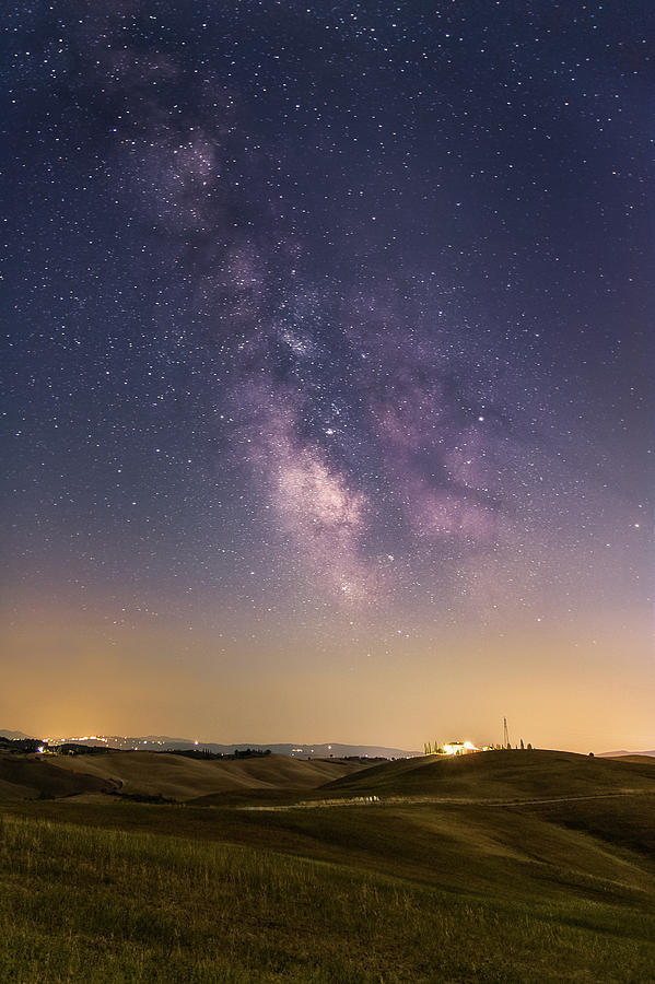 Milky way in Val d'Orcia by Matteo Viviani