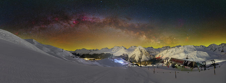 Milkyway over Toblerone by Ralf Rohner