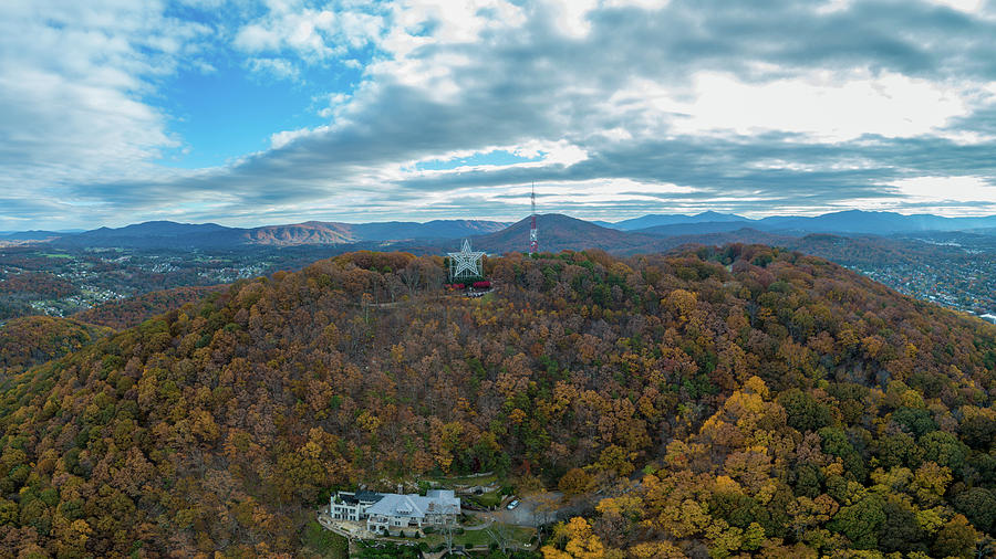 Mill Mountain Star and House by Star City SkyCams