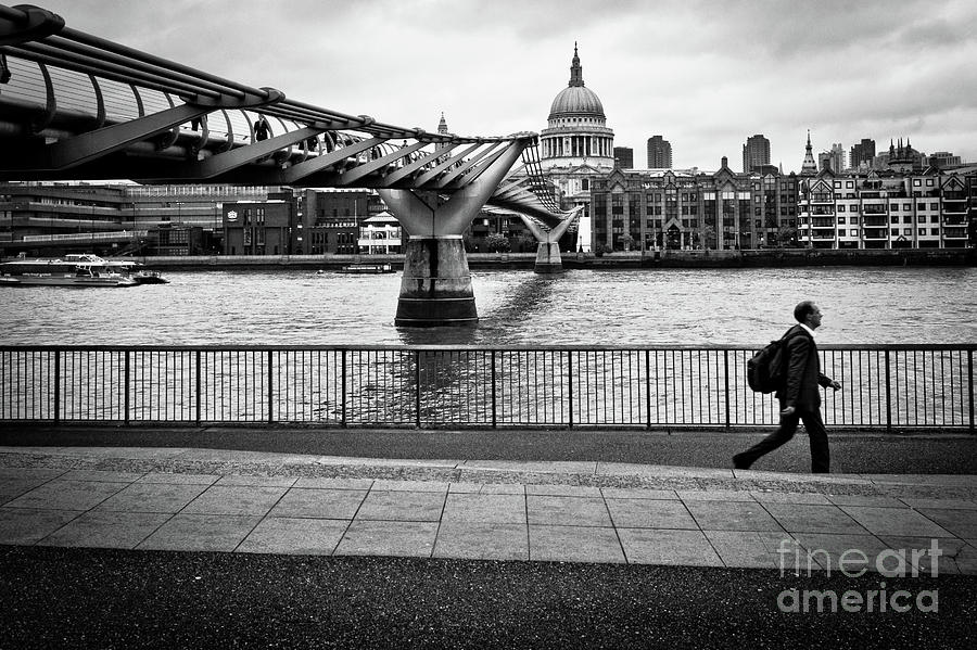 millennium Bridge 02 by Arnaldo Tarsetti