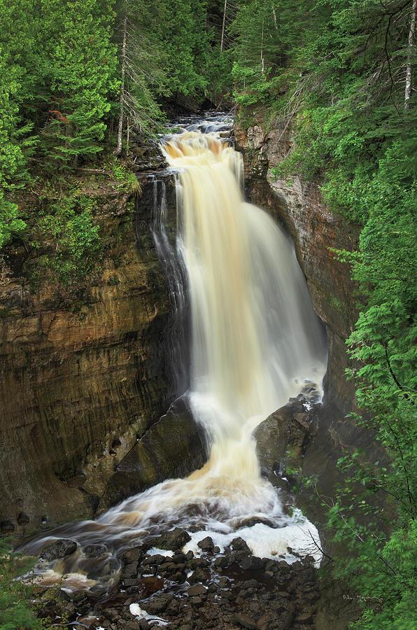 Great Lakes Photograph - Miners Falls Michigan by Alan Majchrowicz