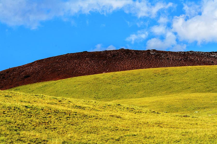 Minimal tricolor landscape by Roberto Pagani
