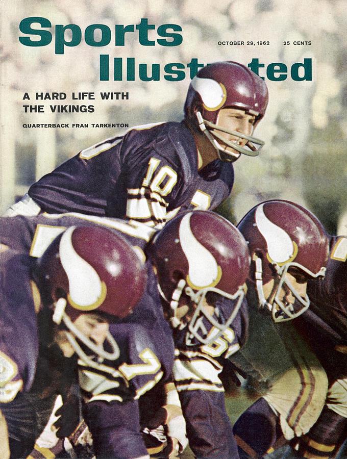 Minnesota Vikings Qb Fran Tarkenton... Sports Illustrated Cover Photograph by Sports Illustrated