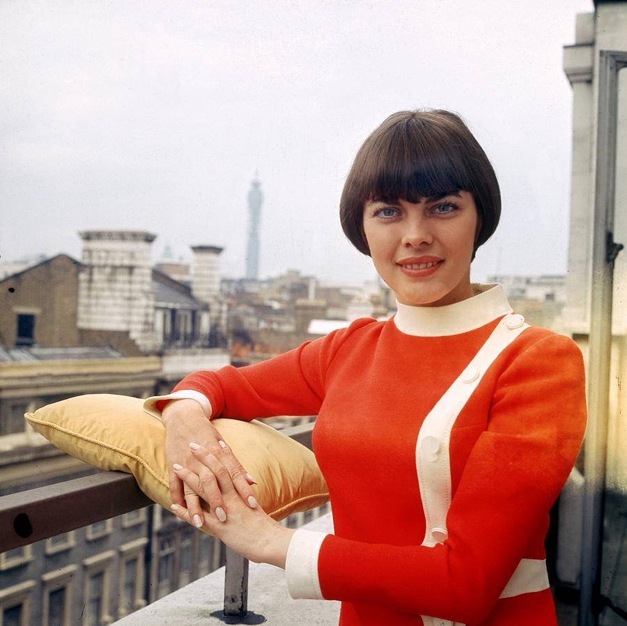 Mireille Mathieu In London 1968 Photograph by Keystone-france
