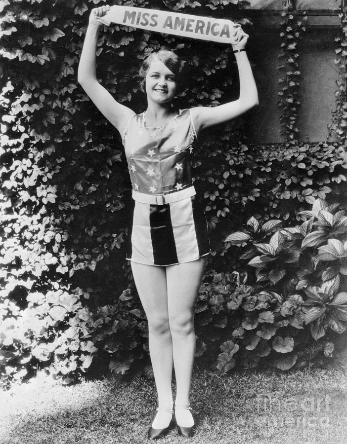 Miss America 1927 Lois Delander by Bettmann