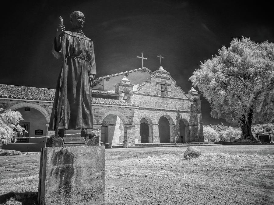 Mission San Antonio De Padua by Alan Kepler