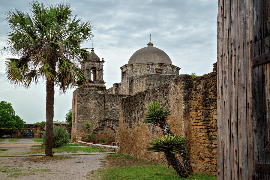 Mission San Jose by Lana Trussell