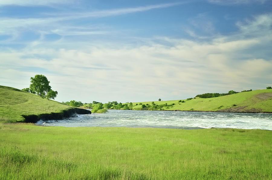 Missouri River Flowing Towards Pierre Photograph by Joesboy