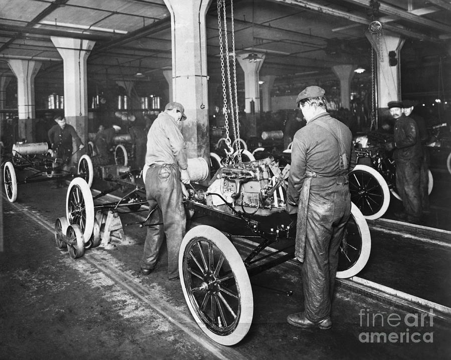 Model T Being Assembled In Ford Plant Photograph by Bettmann