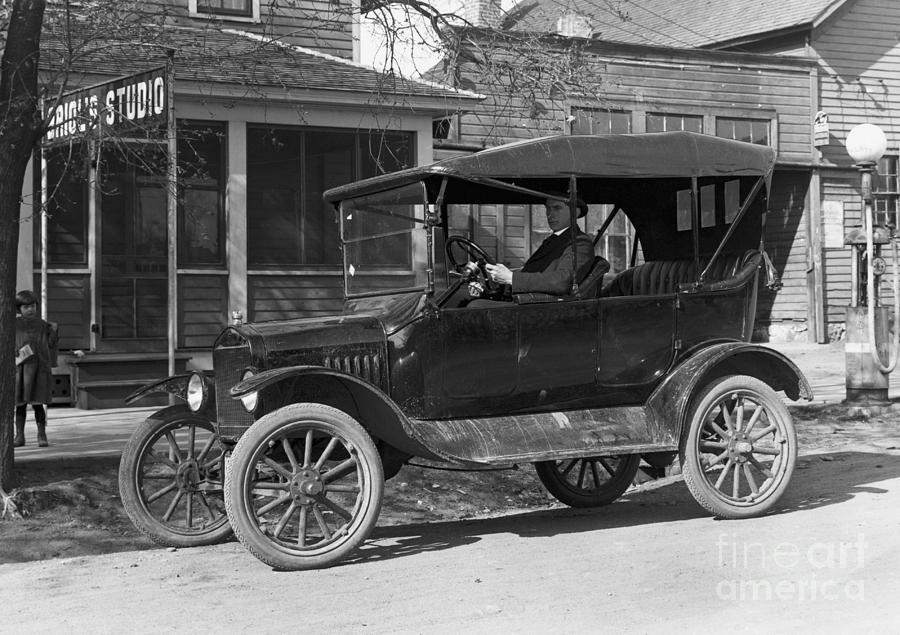 Model T Ford When It Was New Photograph by Bettmann