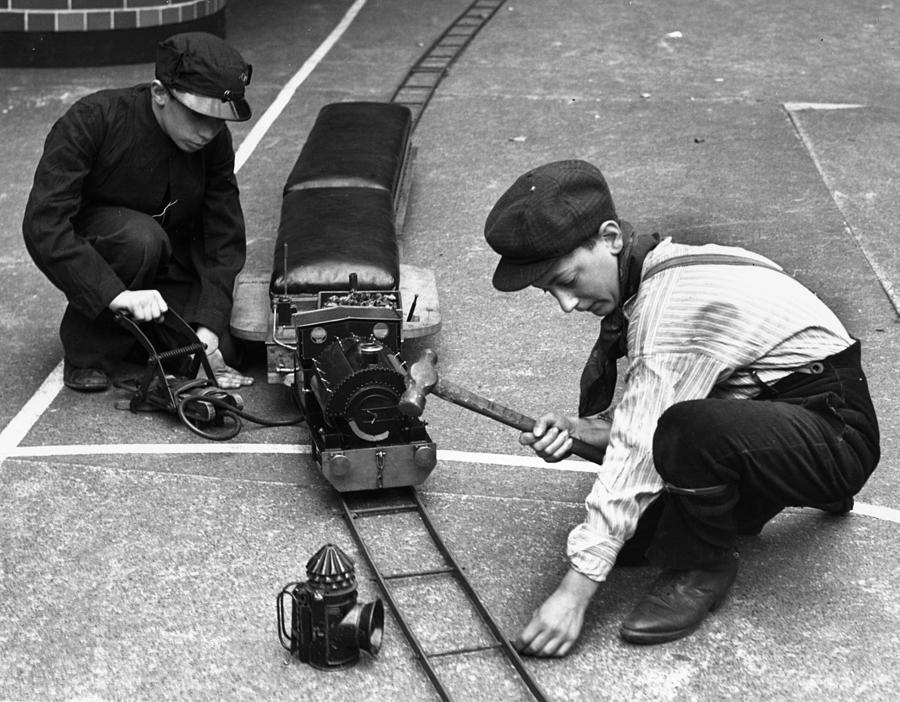 Model Train Photograph by William Vanderson