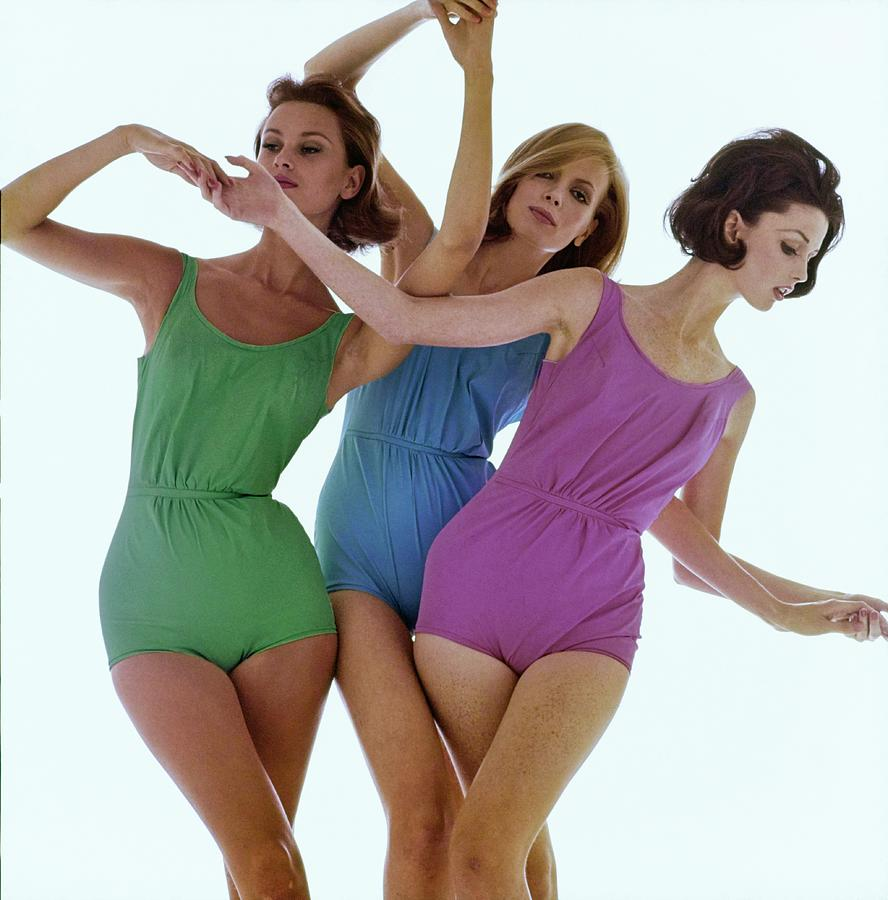 Models In Rose Marie Reed Swimsuits Photograph by Bert Stern
