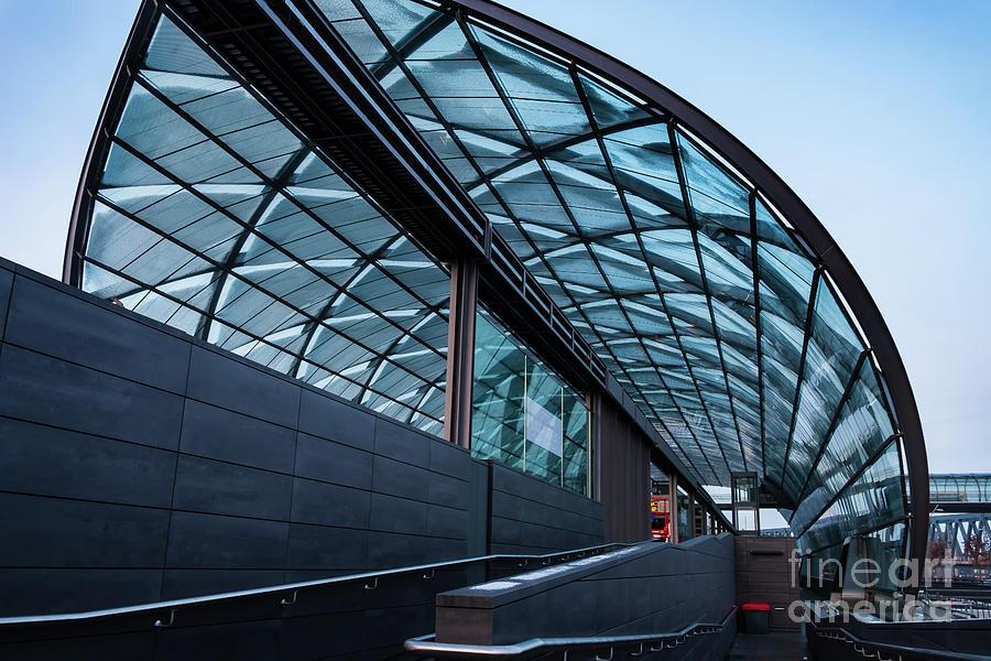 Modern architecture shell by Marina Usmanskaya