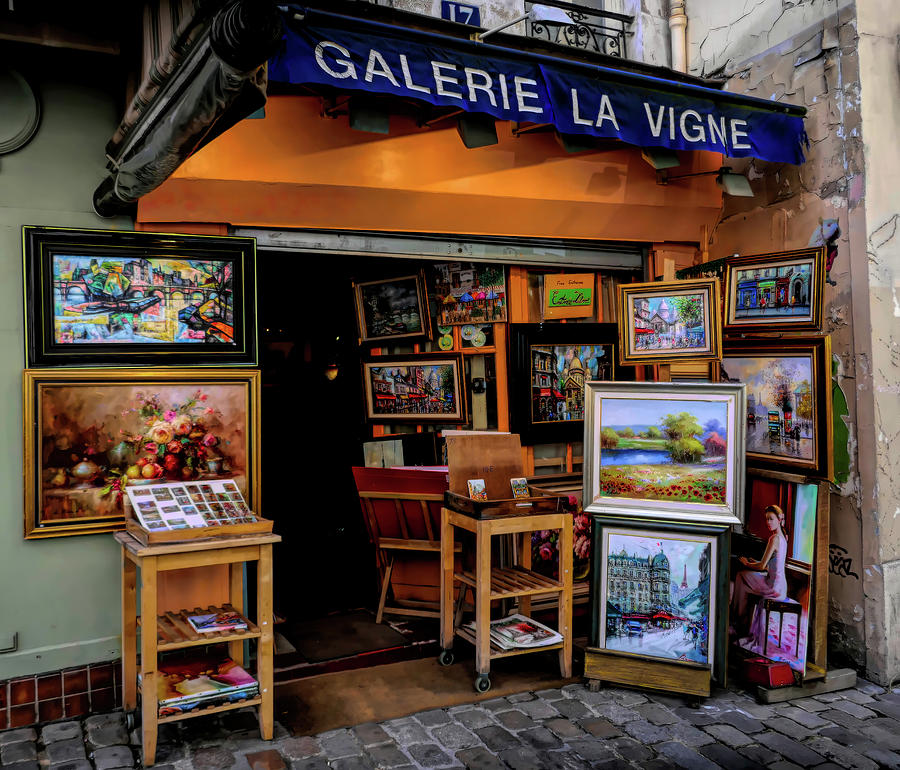 Montmartre Art Shop by David Smith