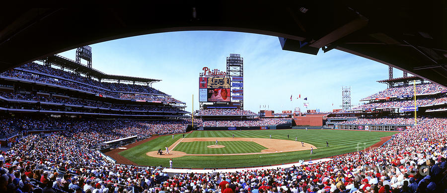 Montreal Expos V Philadelphia Phillies Photograph by Jerry Driendl