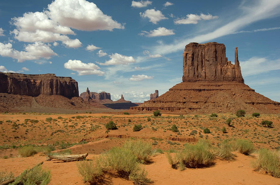 Monument Valley Photograph by Stevenallan