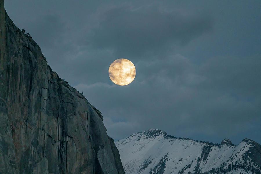 Moon Rise at El Capitan Yosemite NP CA_GRK1963_12212018  by Greg Kluempers