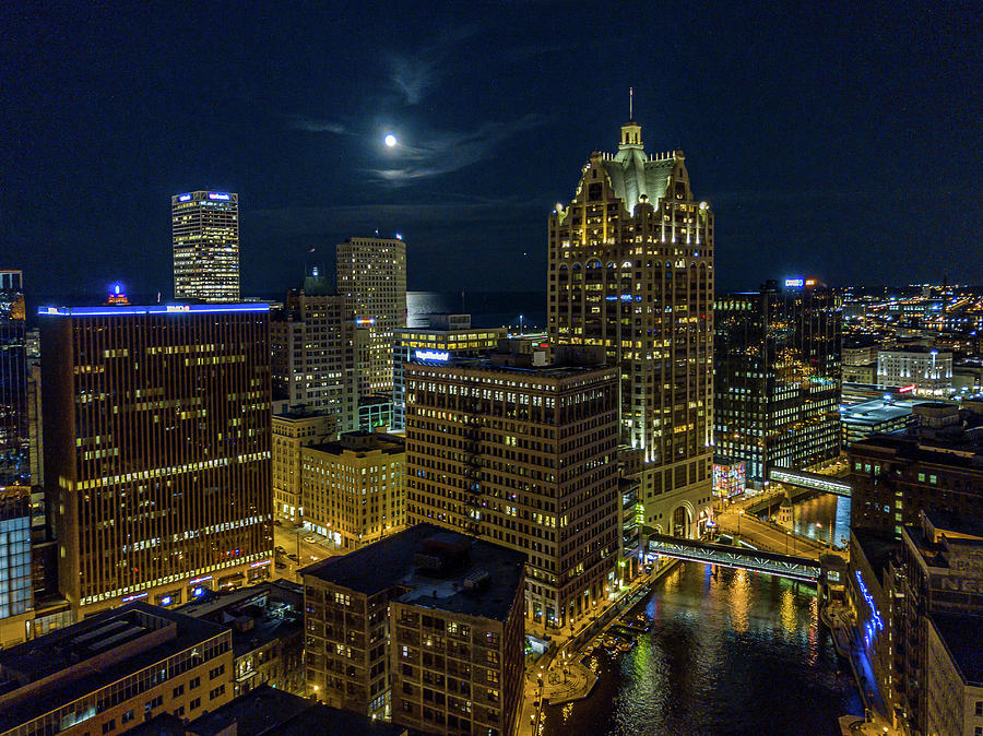 Moonrise, Milwaukee, Wisconsin by Randy Scherkenbach