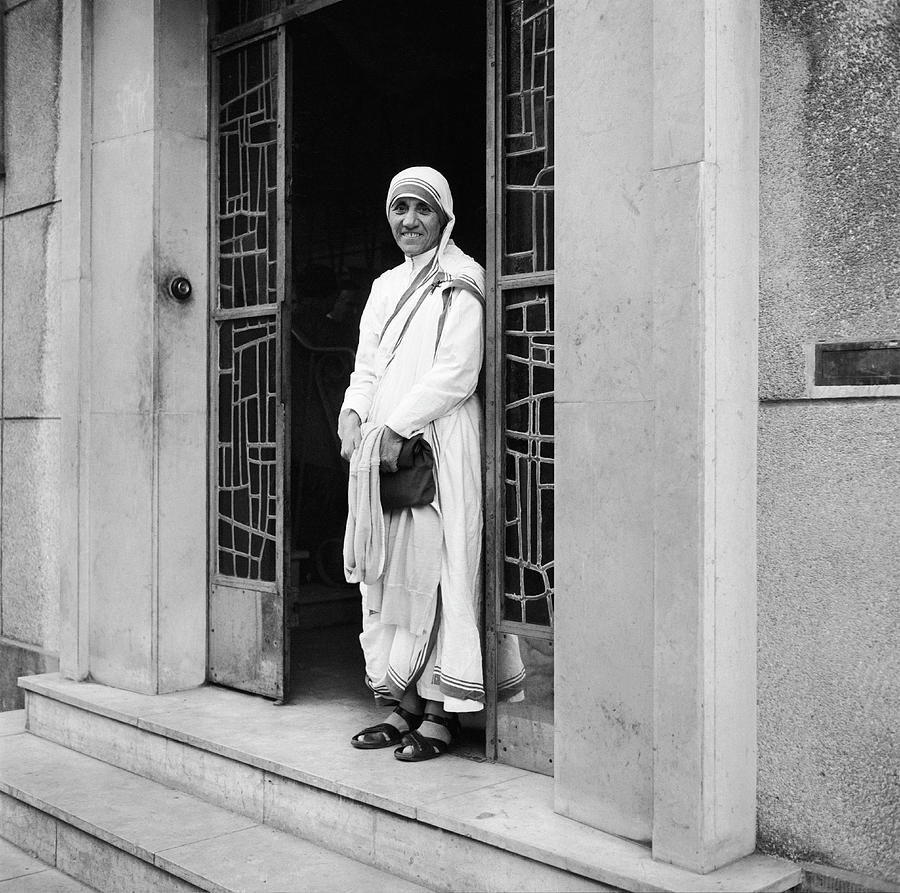 Mother Teresa In Paris In 1965 Photograph by Keystone-france