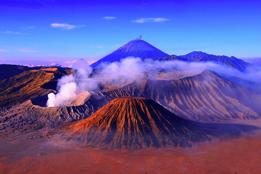 Mount Photograph by Photo By Prasit Chansareekorn