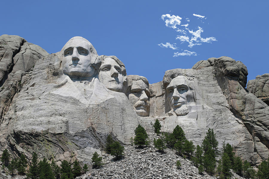 Mount Rushmore by Gary Gunderson