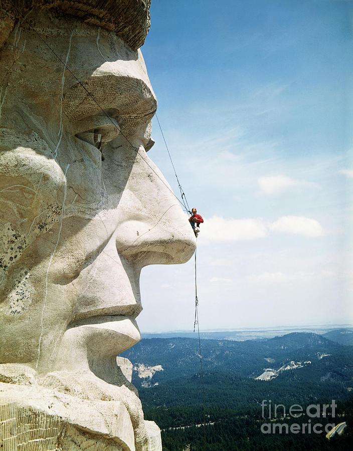 Mount Rushmore Repairman Working Photograph by Bettmann
