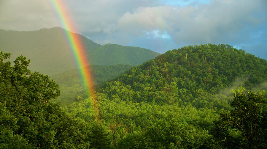 Mountain Rainbow 2 by Larry Bohlin