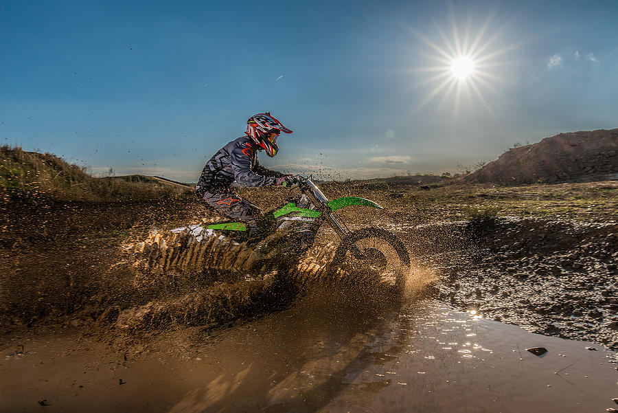 Action Photograph - Mud And Sun by Iñigo Jiménez