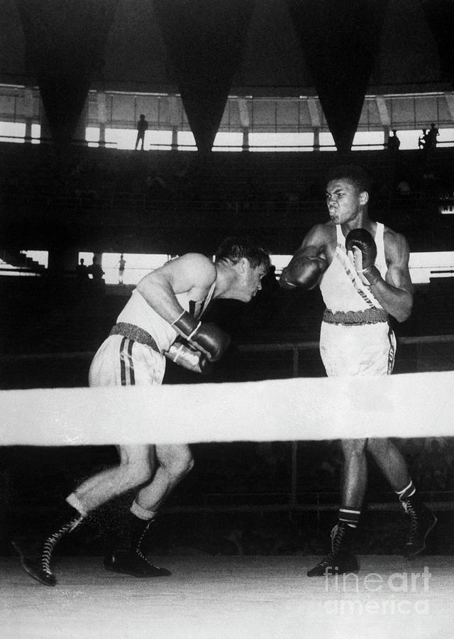Muhammad Ali Boxing Antony Madigan Photograph by Bettmann