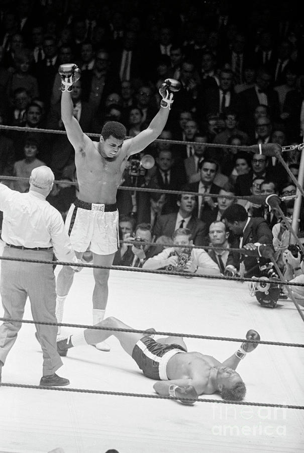 Muhammad Ali Knocks Out Cleveland Photograph by Bettmann