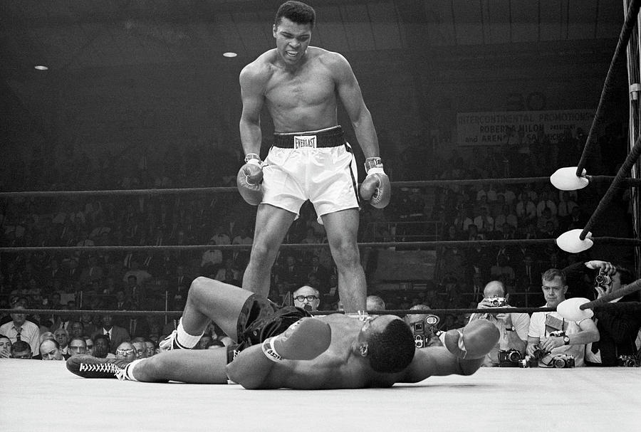 Muhammad Ali Taunting Sonny Liston Photograph by Bettmann