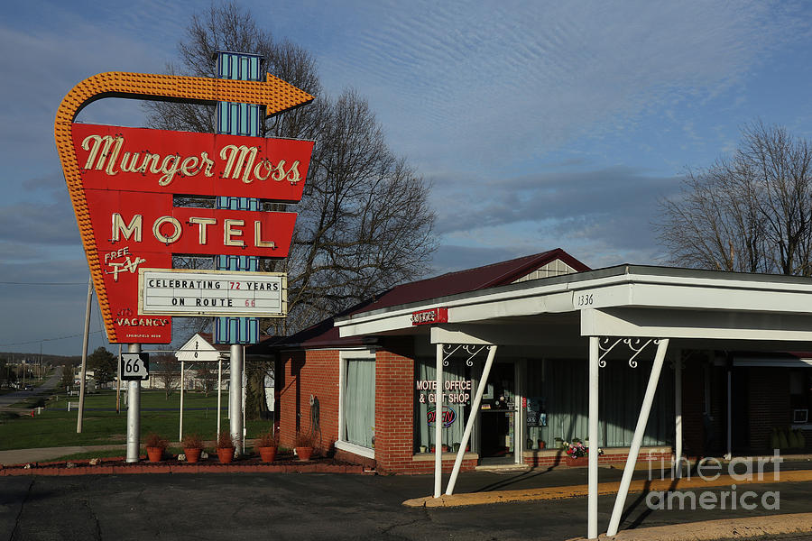 Munger Moss Motel on Route 66 by Garry McMichael