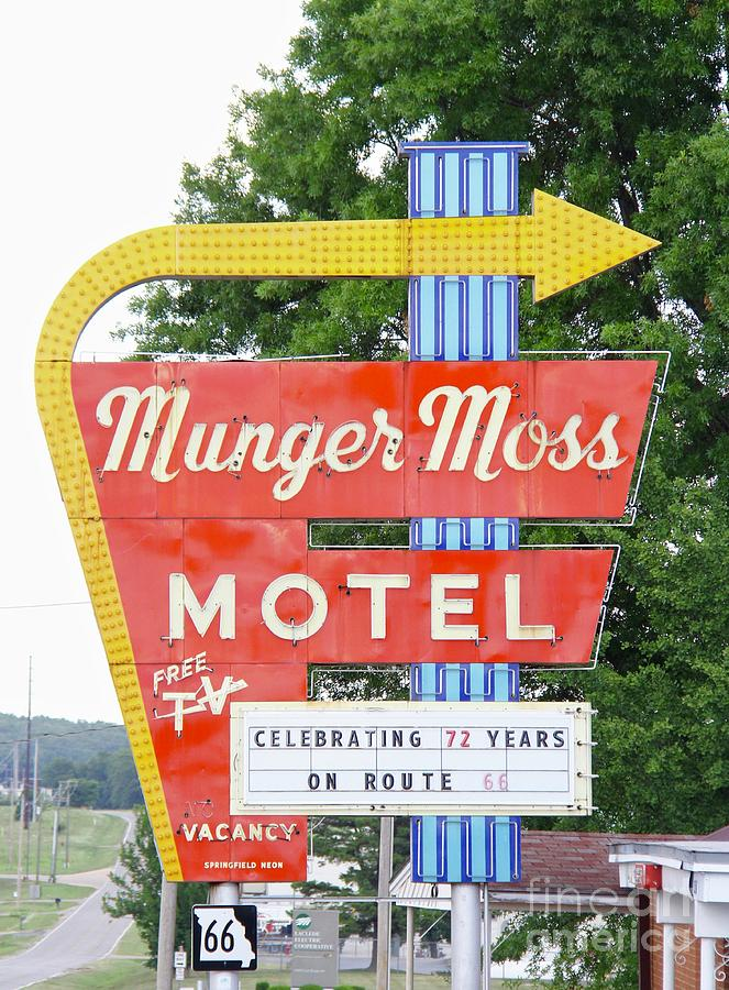Munger Moss Motel by Suzanne Oesterling