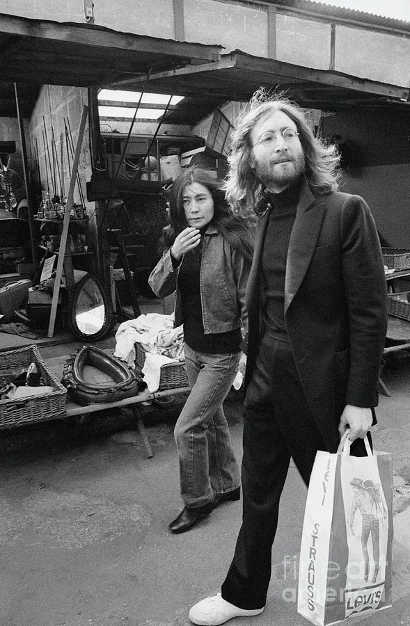 Musician John Lennon And Yoko Ono Photograph by Bettmann