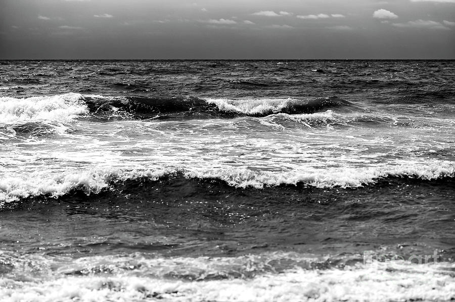 Myrtle Beach Waves Photograph - Myrtle Beach Waves by John Rizzuto
