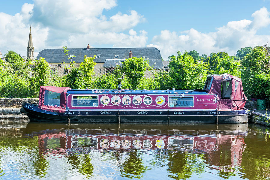 Narrow Boat Hey Jude by Steve Purnell